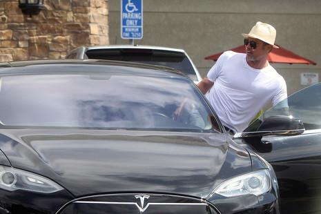 El Fisker Karma de Leo Di Caprio y otros coches eléctricos conducidos por famosos