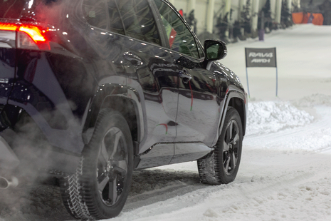 Esquiando al volante del nuevo Toyota híbrido