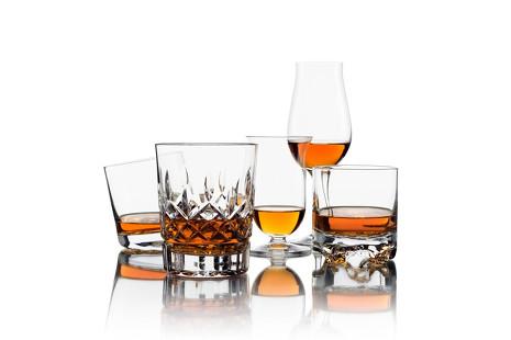 Néctar nipón: te descubrimos los cinco mejores whiskys japoneses