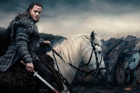 Muchas espadas y algunos dragones: las 10 series que pueden curar tu nostalgia de 'Juego de tronos'