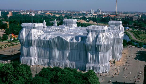 Christo y Jean-Claude: un libro y 5 obras maestras del arte efímero