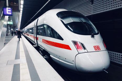 Viajes de vértigo: una ruta en los 5 trenes más rápidos del mundo