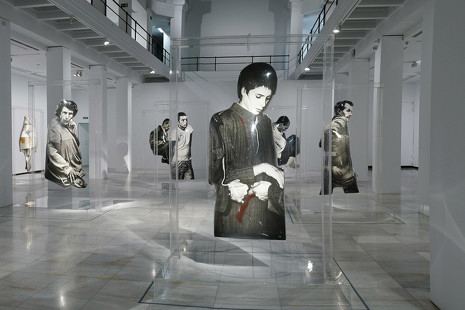 Arte pop con alma: se exhiben en Madrid las cápsulas de tiempo de Darío Villalba
