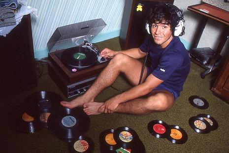 """Asif Kapadia: """"La historia de Maradona había que contarla completa, drogas y mafia incluidas"""""""