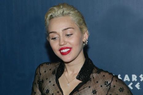 Miley Cyrus y Topher Grace, en la esperadísima quinta temporada de 'Black Mirror'