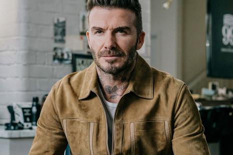 Así sorprendió Beckham a los fans de su marca de cuidado facial