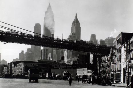 Así (de bello y de moderno) era el Nueva York de la fotógrafa Berenice Abbott